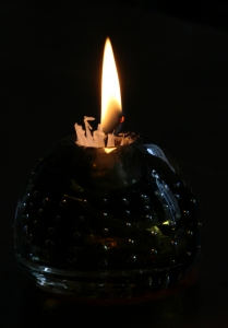 candle-in-glass-holder--1437434-m